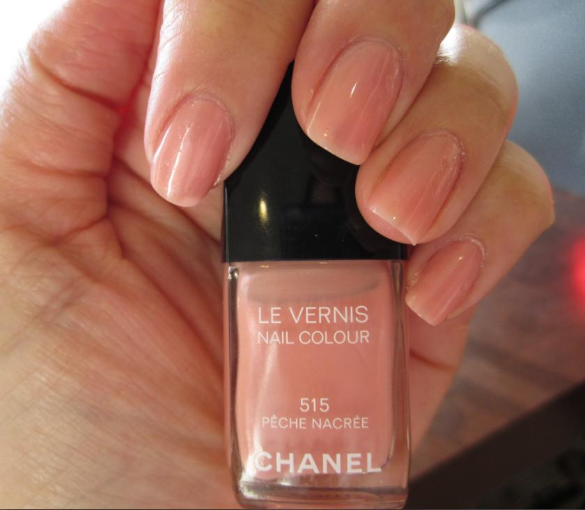 Chanel Nail Color: Peche Nacree - Spontaneous Chick