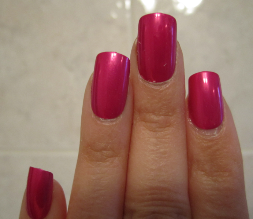 Stylish Artificial Nails by Broadway Nails - Spontaneous Chick