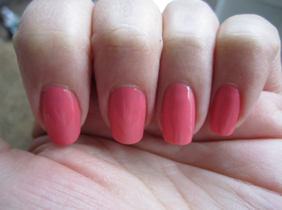 Beautiful Nail Polish Color By Essie Carousel Coral 8 Mar Im